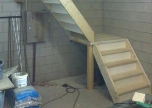 ladder op trap plaatsen
